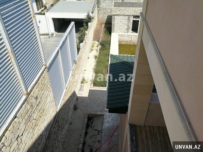 Şağanın 3 yol ayrıcına yaxın Duz Çörək restoranının yanında yola yaxın məsafədə Bağ evi satılır!