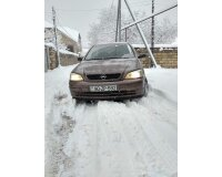Opel Astra  1998 il 1600 motor