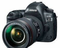 Canon EOS 5D Mark IV camera + 24-105mm lens