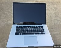 Apple Macbook pro 15.4 Core i7 + 8 gb ram
