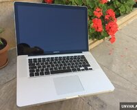 Macbook pro 15.4 Core i7 / 8 gb ram . teze kimi