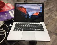 Macbook pro 13.3 Core i5 / 240 gb ssd