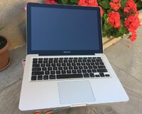 Macbook pro 13.3 Core i7 / 8 gb ram. teze kimidir