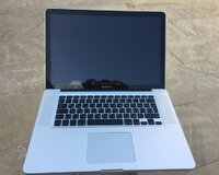 Macbook pro 15.4 Core i7 / 16 gb ram / 256 gb ssd