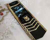 Vertu s design